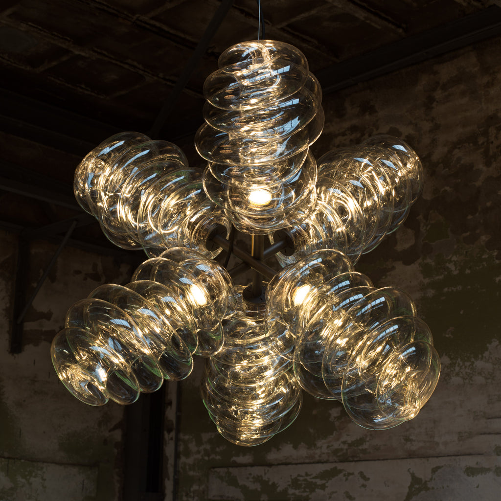 Bloown chandelier made out of recycled plastic with a 3D printer robot by dirk vander kooij