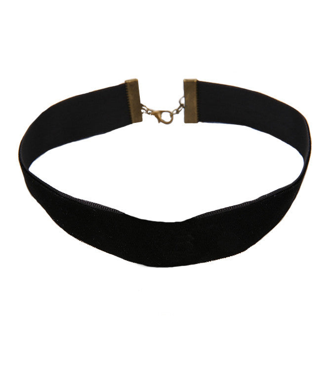 BLACK NIGHT VELVET CHOKER