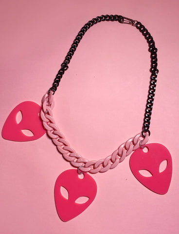 OUT OF THIS WORLD ALIEN NECKLACE - PINK