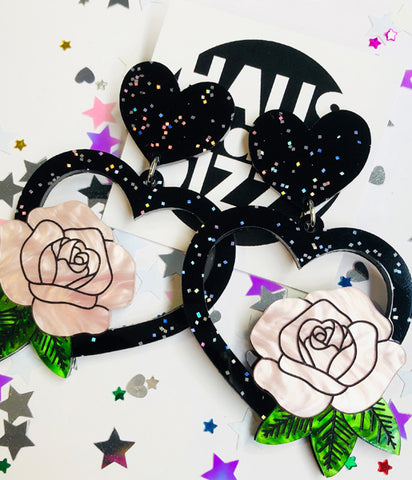 AMY BLACK GLITTER HEART EARRINGS