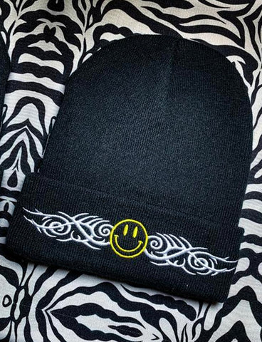 SMILE TRIBE BEANIE - BLACK