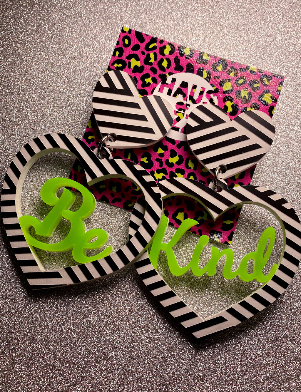 BE KIND HEART EARRINGS - NEON GREEN