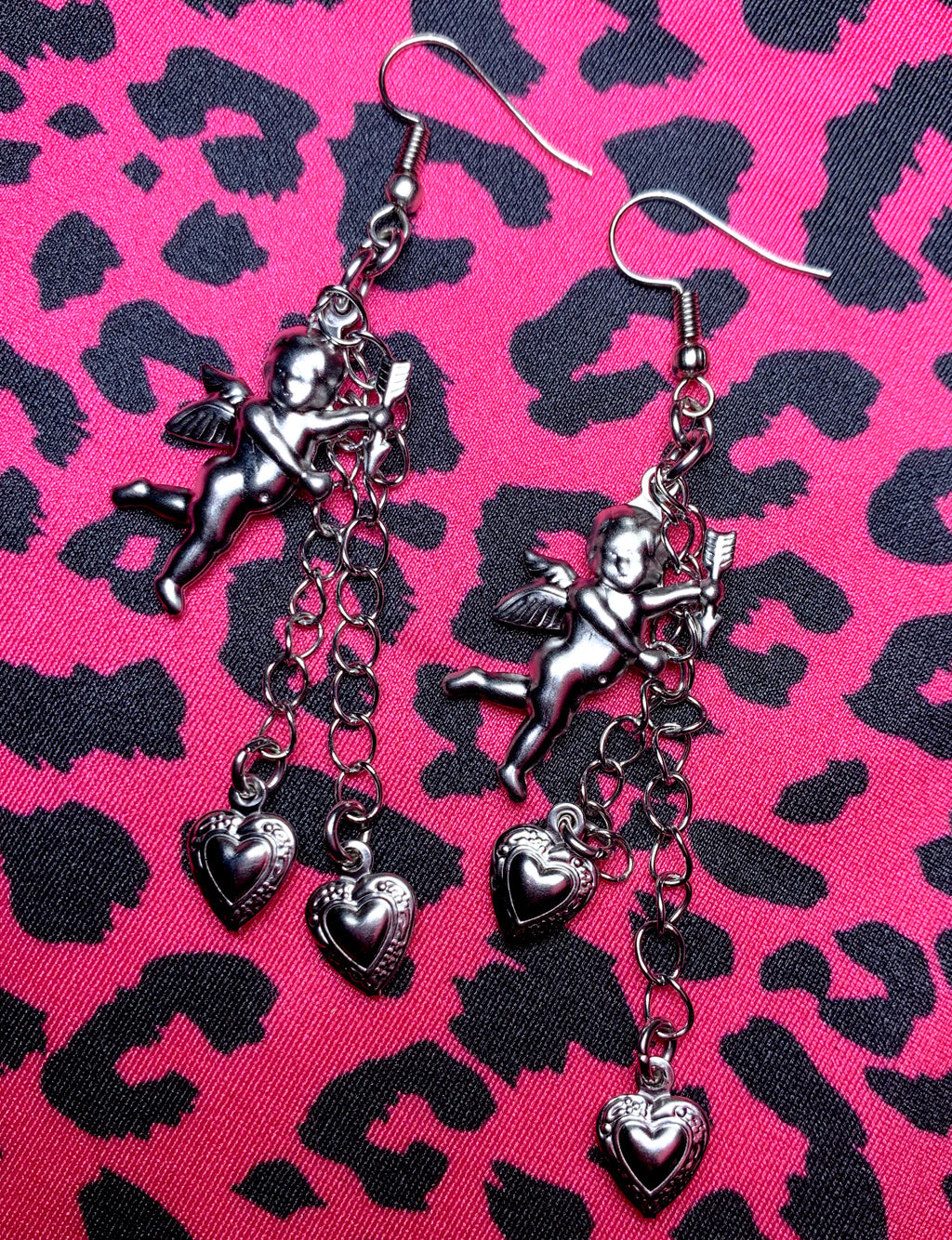 CUPID LOVE EARRINGS