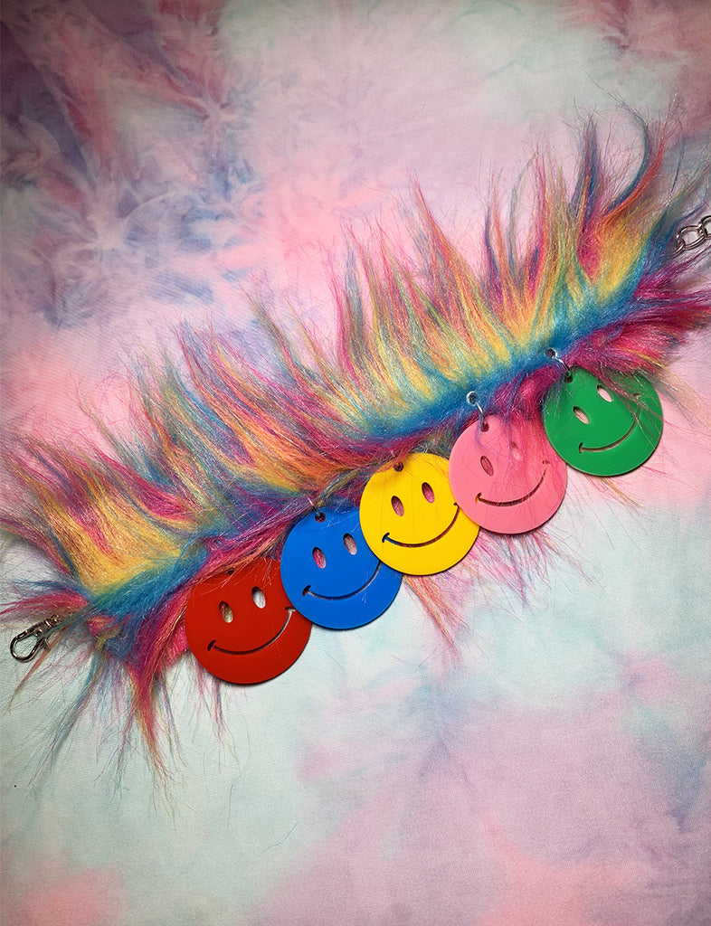 FUZZY RAINBOW SMILEY CHOKER