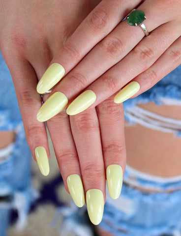 LOTTA LEMON NAIL POLISH