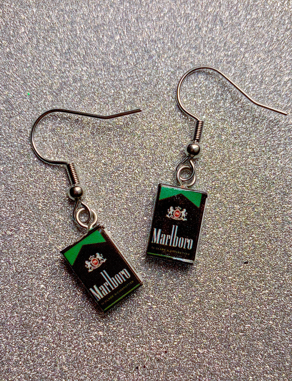 MARLBORO CIGGIE EARRINGS - GREEN