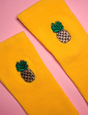 FEAST ON FRUIT SOCKS - PINEAPPLE