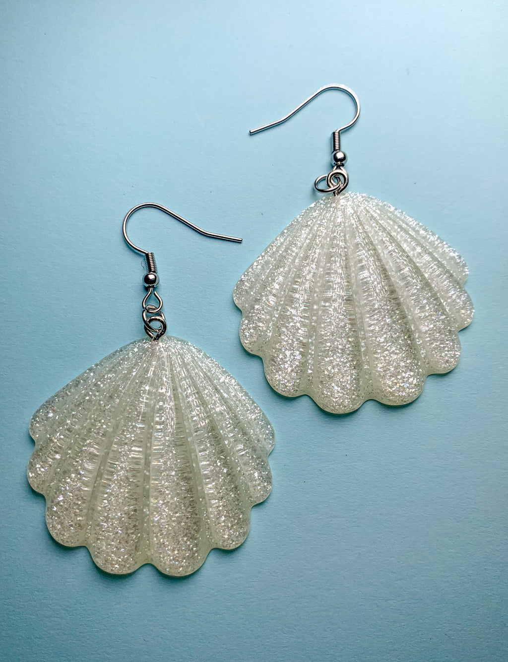 GLITTER SEASHELL EARRINGS - OPAQUE