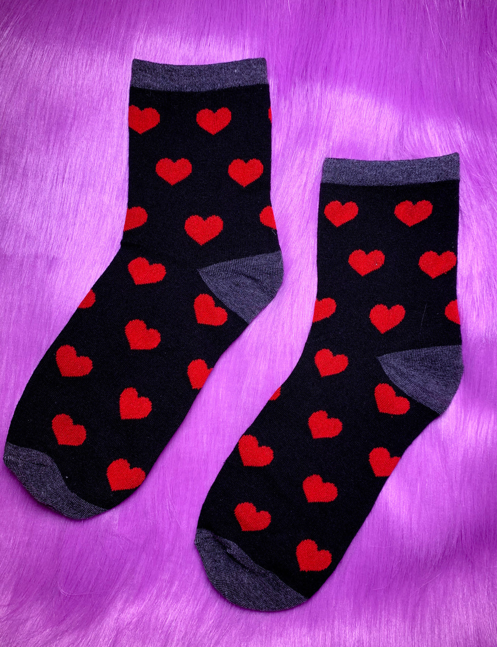 SEEING HEARTS SOCKS - BLACK