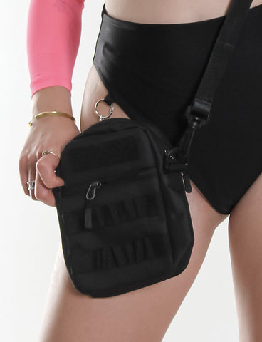 BASIC BLACK CROSSBODY