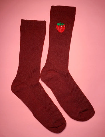FEAST ON FRUIT SOCKS - STRAWBERRIES/ BROWN SOCK