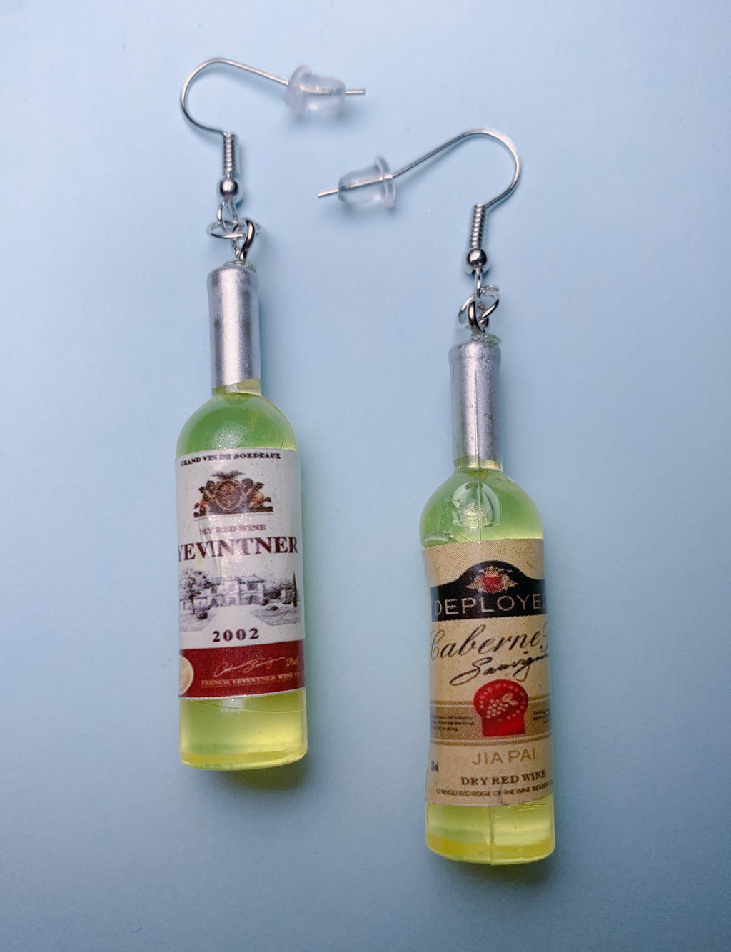 WINE CLUB EARRINGS - WHITE