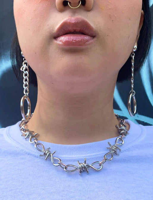 WALK THE BARB CHAIN NECKLACE