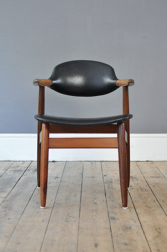 Cow Horn Chair by Tijsseling
