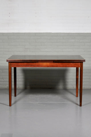 1960s Rosewood Extendable Dining table