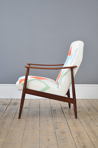 TG X F Dutch Armchair