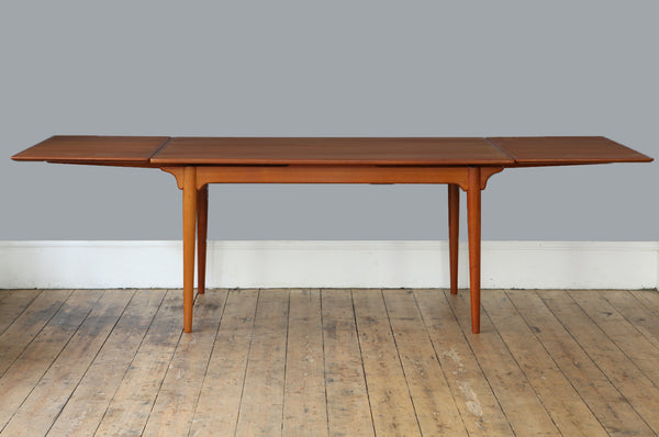 Omann Jun Teak Extendable Dining Table