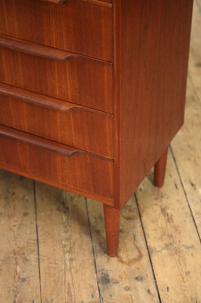 Minimalist Chest of Drawers