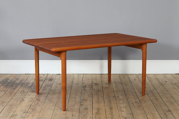 Niels Møller Dining Table
