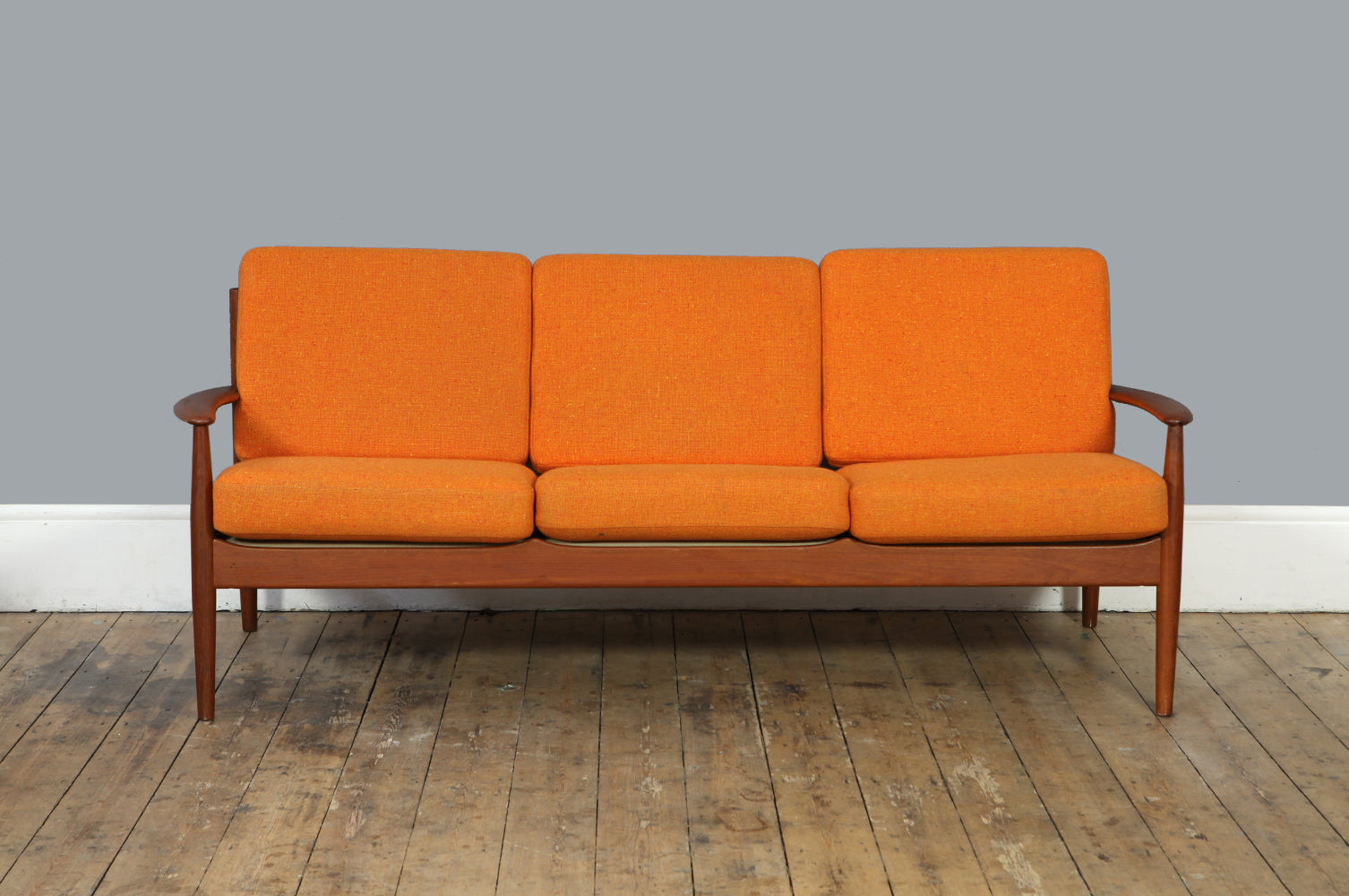 Model 118 Sofa by Grete Jalk - Forest London