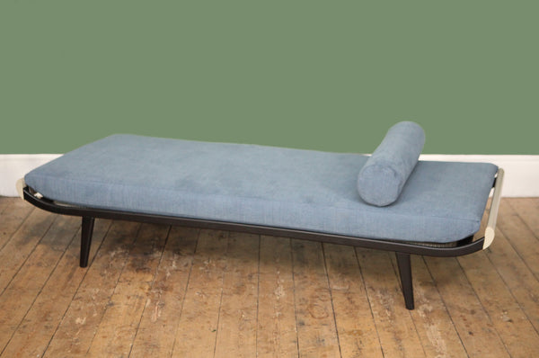 ON SALE // Cleopatra Daybed - Forest London