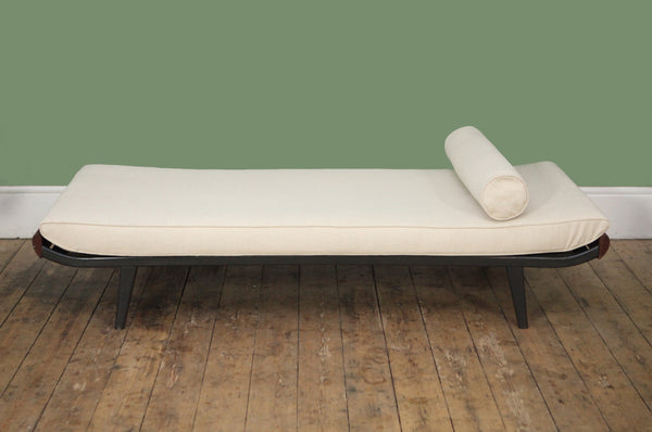 ON SALE // A.R. Cordemeijer Daybed