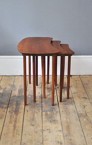 Biomorphic Nesting Tables
