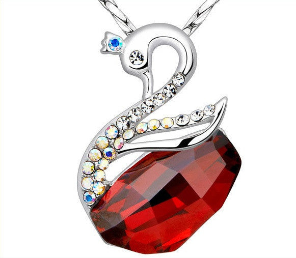 CDE 925 Sterling silver Swan pendant with 925 sterling silver necklace embellished with Swarovski crystals