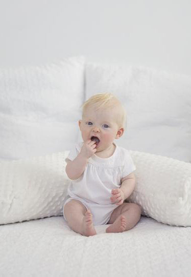 Baby Buddy Nursing Pillows. Nursing clothing Canada. Nursing clothes Calgary.