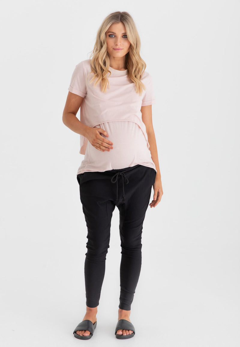 Versatility and details don't stop with just the top layer, as the BASE LAYER, will always be there for you when you want to COVER YOUR TUM and wear it long by pairing this wardrobe superhero with shorts or pants. Breastfeeding clothing Canada. Maternity clothes Canada. Legoe Maternity Canada.