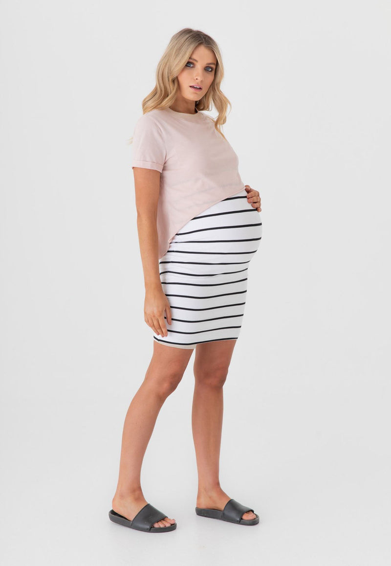 Made in our signature stretchy organic cotton that features elegant & exclusive LEGOE. stripes, the Downtown Skirt has a high waist/over the bump body con fit and a double layer for extra comfort. Breastfeeding clothing Canada. Maternity clothes Canada. Legoe Maternity Canada.