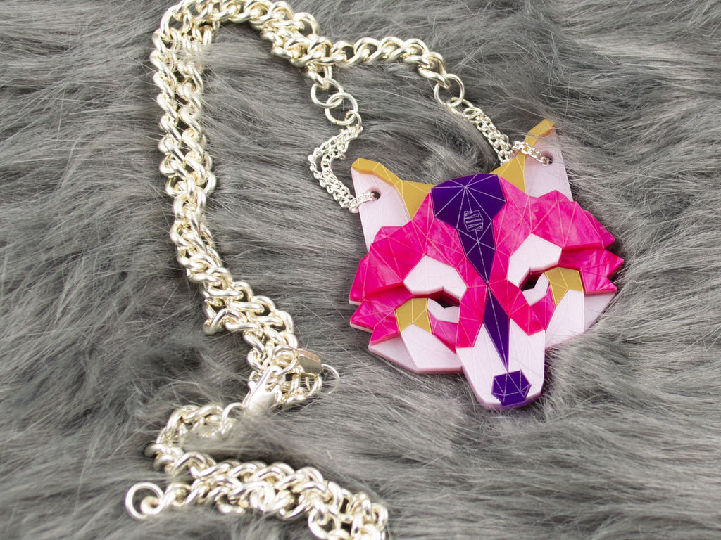 Wolf Head - Magenta Jewel
