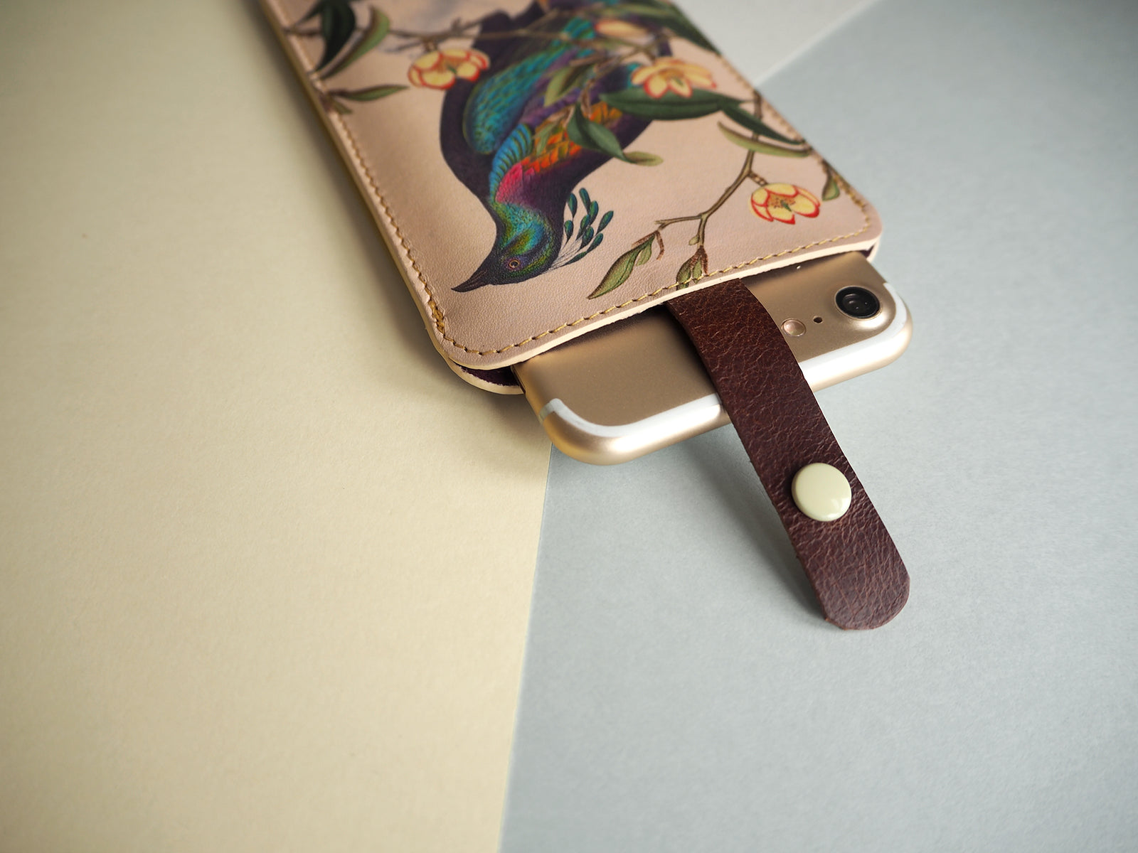 Leather phone case sleeve. Printed designer smartphone cases for iPhone, Samsung Galaxy and all smartphone models.