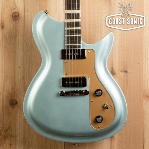 "Rivolta Guitars Combinata VII ""Ice Blue Metallic"""