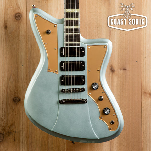 "Rivolta Guitars Mondata VIII ""Ice Blue Metallic"""