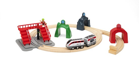 BRIO Smart Engine Set with Action Tunnel