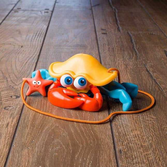 FAT BRAIN TOYS - Crabby Pull Along