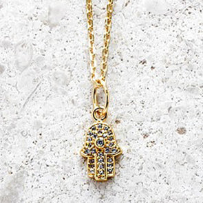 Fatimas Hand Necklace - Short chain in Gold