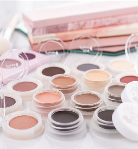 Blog Feed Article Feature Image Carousel: Natural Eyeshadow Guide