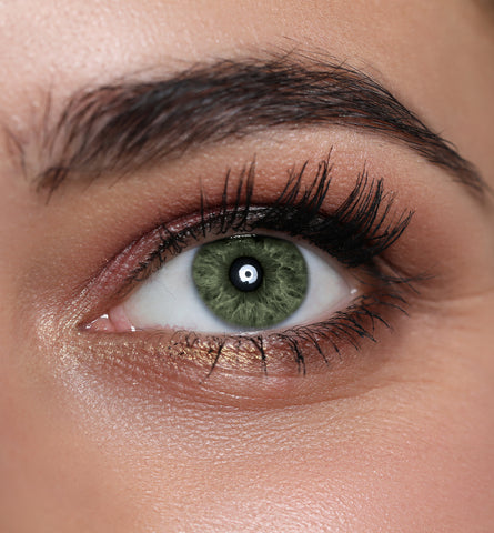 Blog Feed Article Feature Image Carousel: 10 Eyeshadow Shades for Green Eyes