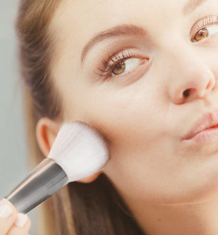 Blog Feed Article Feature Image Carousel: A Busy Girl's Guide to Face Contouring