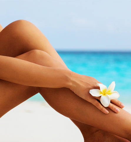 Blog Feed Article Feature Image Carousel: Safe Ways to Get a Summer Tan
