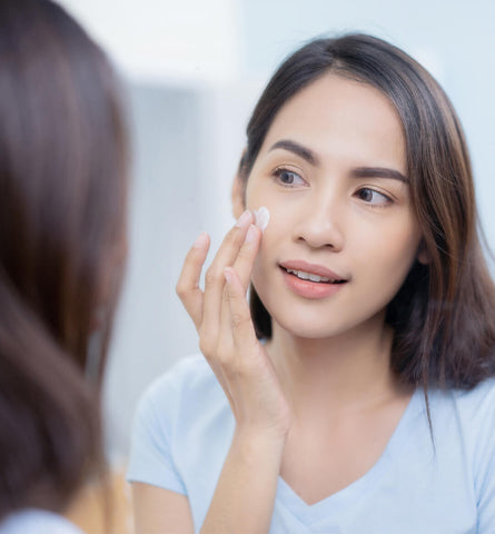 Blog Feed Article Feature Image Carousel: 3 Reasons to Use a Face Moisturizer with SPF