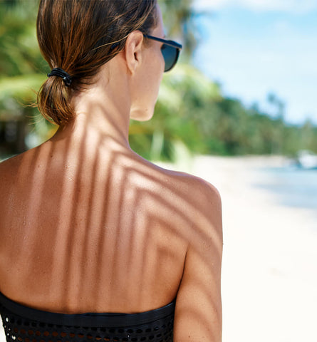 Blog Feed Article Feature Image Carousel: How To Safely Get a Natural Tan