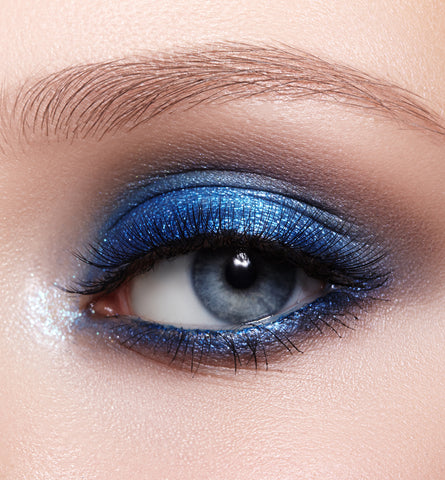 Blog Feed Article Feature Image Carousel: 6 Blue Makeup Looks in 2020