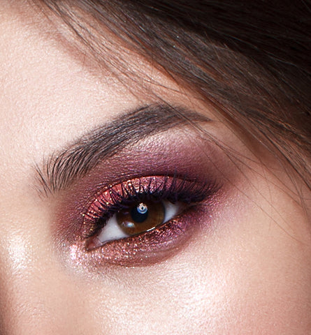 Blog Feed Article Feature Image Carousel: Tips for Trendy Smokey Eyes