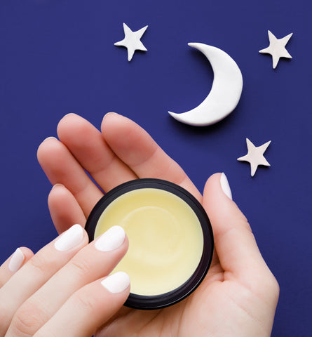 Blog Feed Article Feature Image Carousel: 4 Reasons to Apply a Night Mask