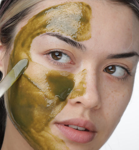 Blog Feed Article Feature Image Carousel: When to Use a Face Mask for Acne