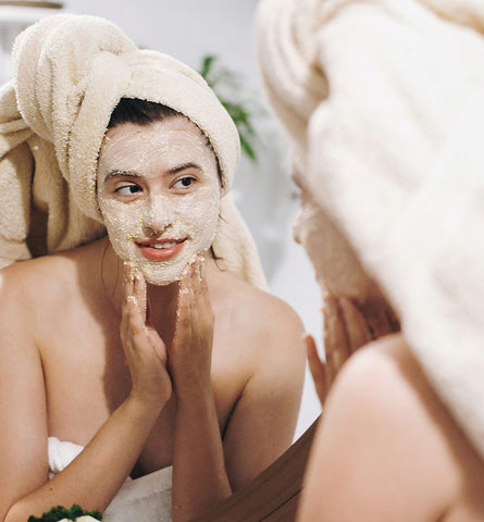 Blog Feed Article Feature Image Carousel: 7 Accessories for a Spa Facial at Home