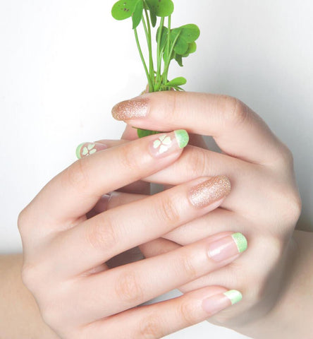 Blog Feed Article Feature Image Carousel: Saint Patrick's Day Nails